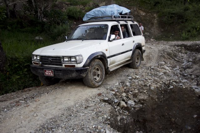 4wd Drive on the Rugged Road