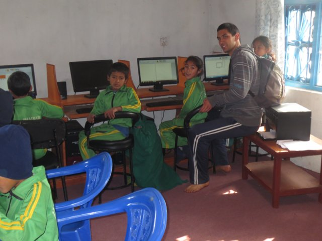 Children learning computers